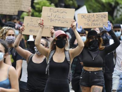 Scontri tra manifestanti di Black Lives Matter e sostenitori di Trump, un morto a Portland