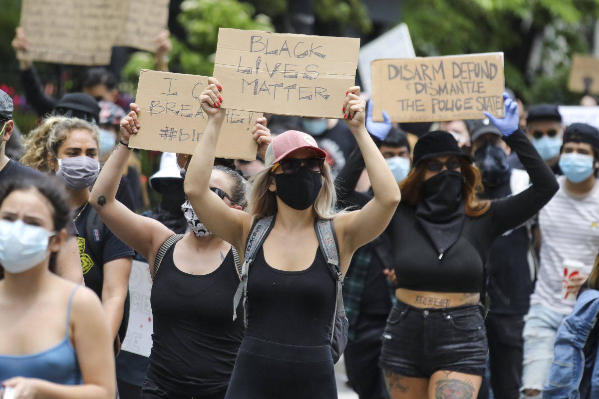 Black Lives Matter, migliaia di persone in piazza contro il