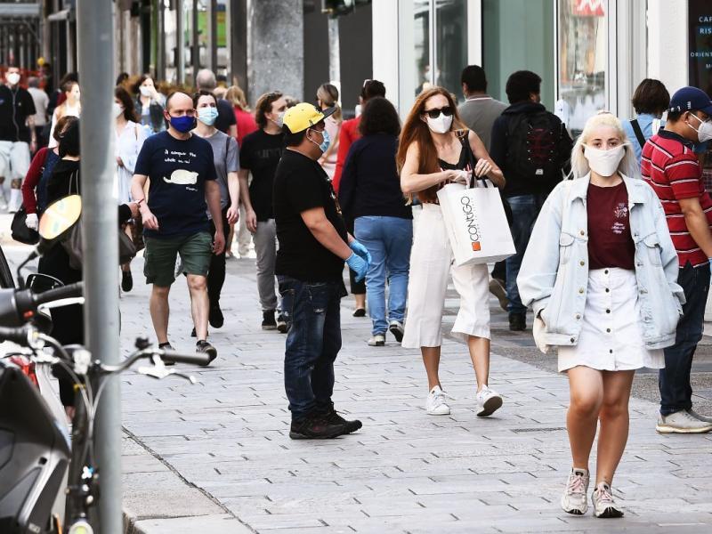 Coronavirus, Italia verso lo 'scenario 4'. Possibili nuove restrizioni, lockdown più vicino