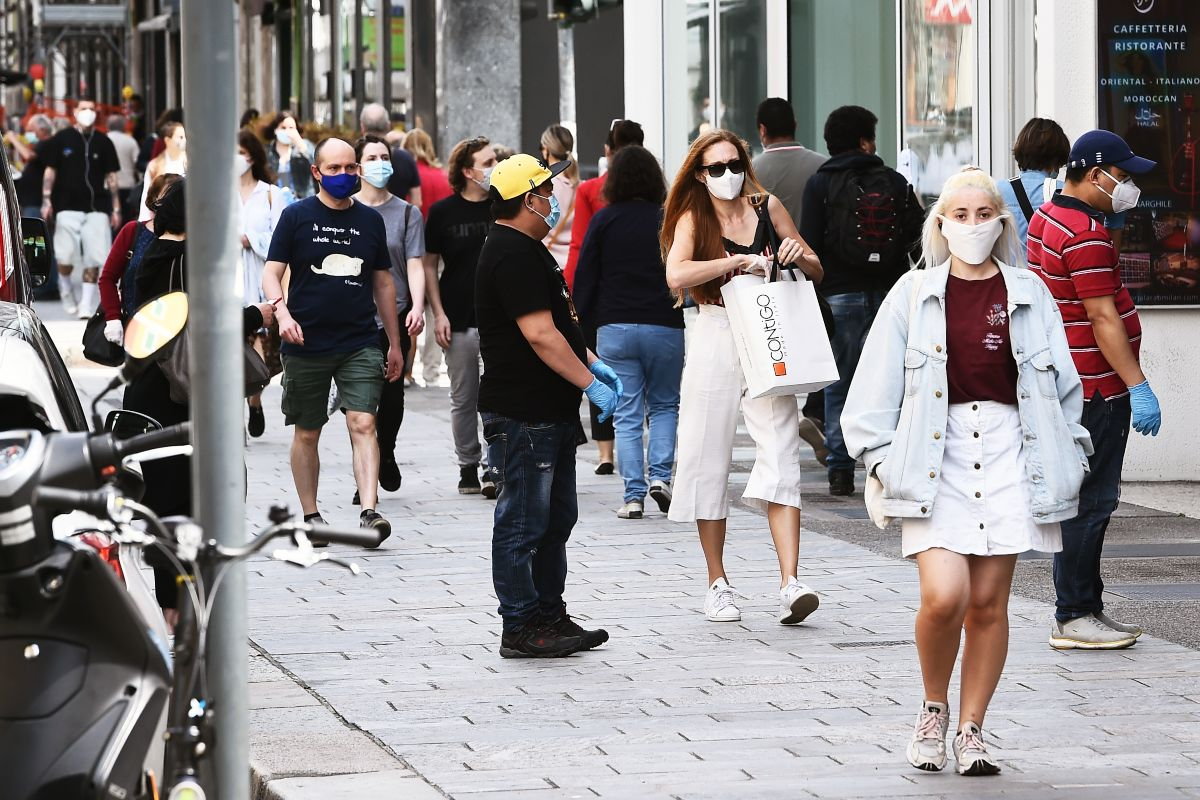 Da Roma a Milano: movida senza il rispetto delle norme anti