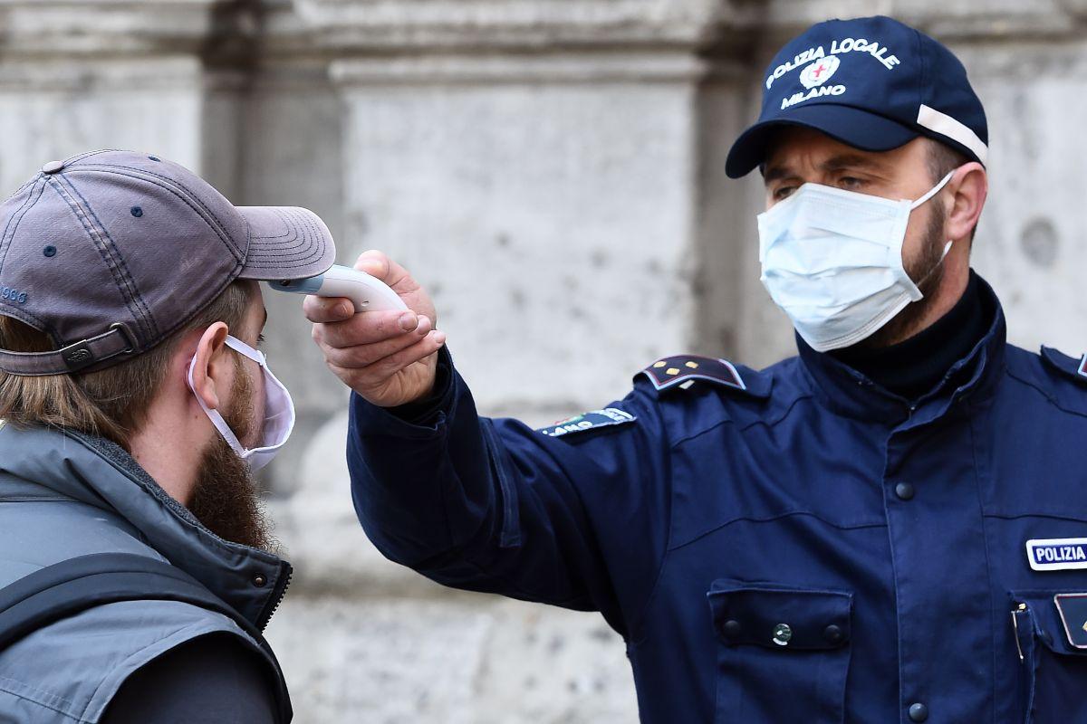 Coronavirus, ipotesi test rapidi per chi torna da Grecia e Spagna