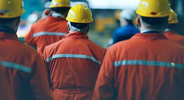 Istat, i numeri della crisi: industria, a marzo fatturato giù del 25,8 per cento