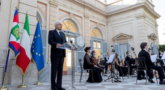 """Mattarella: """"Sono fiero del mio Paese. Inaccettabile dividersi ora"""" – VIDEO"""