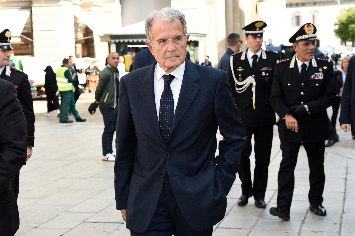 Prodi 'chiama' Berlusconi, 'FI nella maggioranza? Per me non