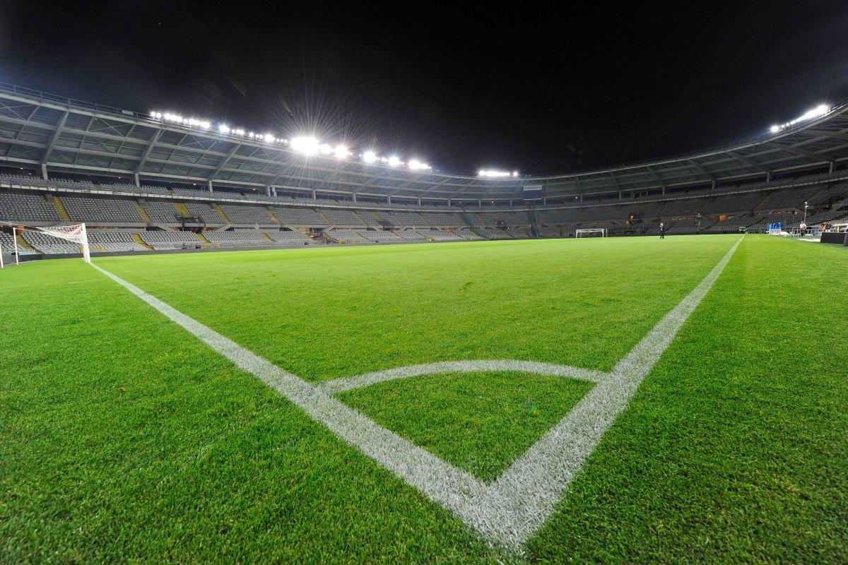 Serie A, Roma Juventus 2 2 (LIVE). Napoli Genoa 6 0, Crotone Milan 0 2. Il Verona batte l'Udinese