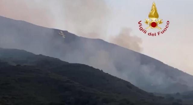 Stromboli, due forti esplosioni dal vulcano