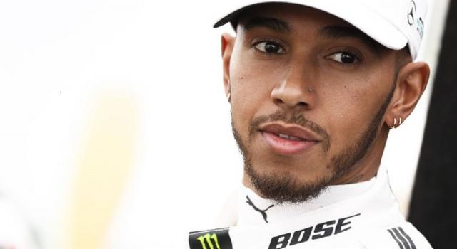 Formula 1, Hamilton in pole position a Sochi. Verstappen in prima fila