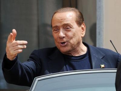 Il Centrodestra rischia la frattura, Berlusconi 'più vicino' al governo. E in tre passano da FI alla Lega