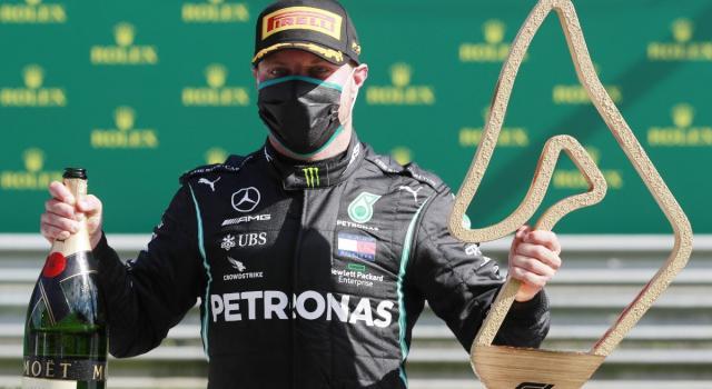 F1, Bottas e Verstappen i più veloci a Spa. L'olandese e Leclerc a muro