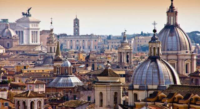 """Crolla il commercio a Roma, Confesercenti: """"Tremila negozi hanno chiuso"""""""