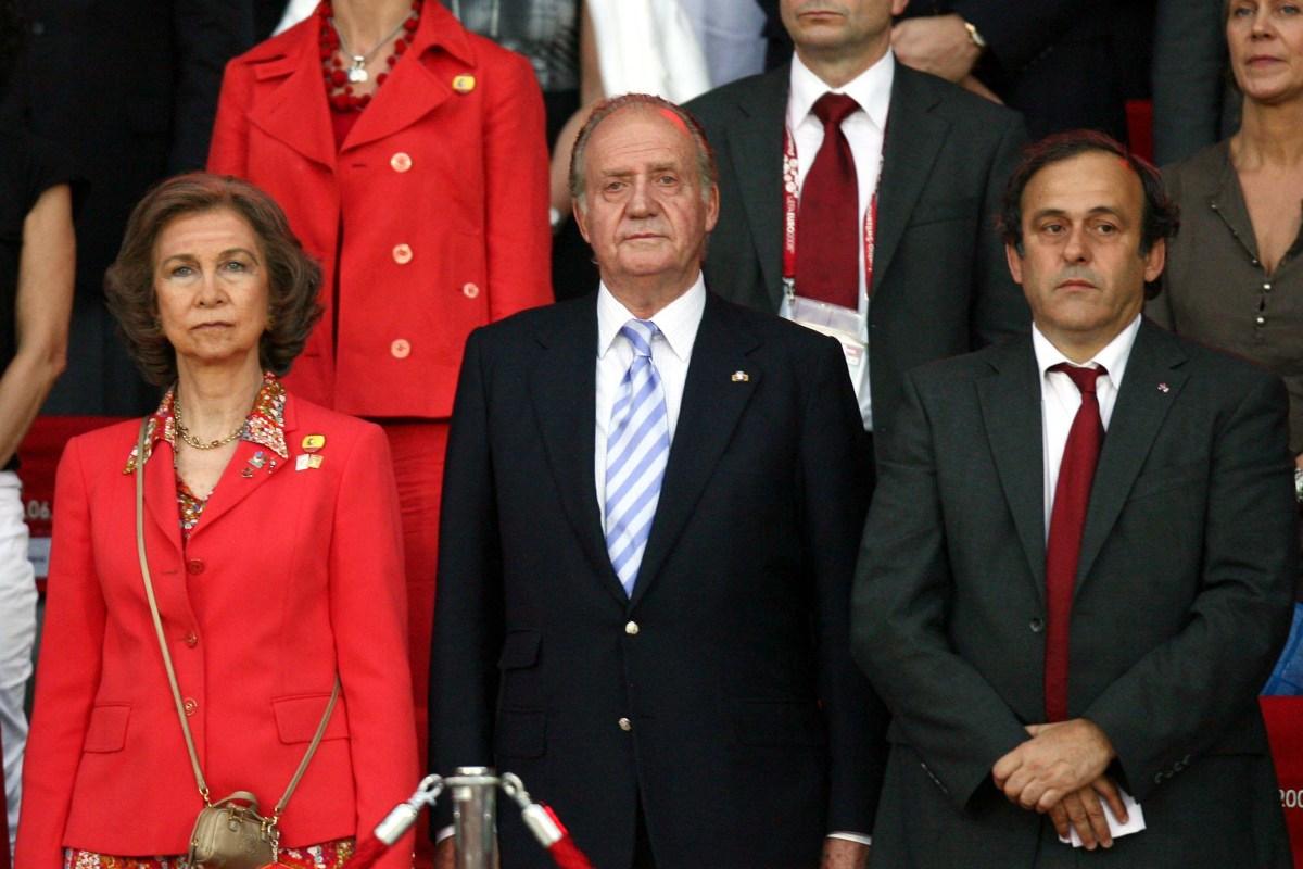 Juan Carlos lascia la Spagna, mistero sulla sua destinazione