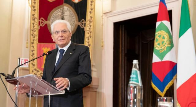 """Mattarella ricorda Cossiga: """"Sua testimonianza civile e politica ha contribuito al patrimonio democratico degli italiani""""."""