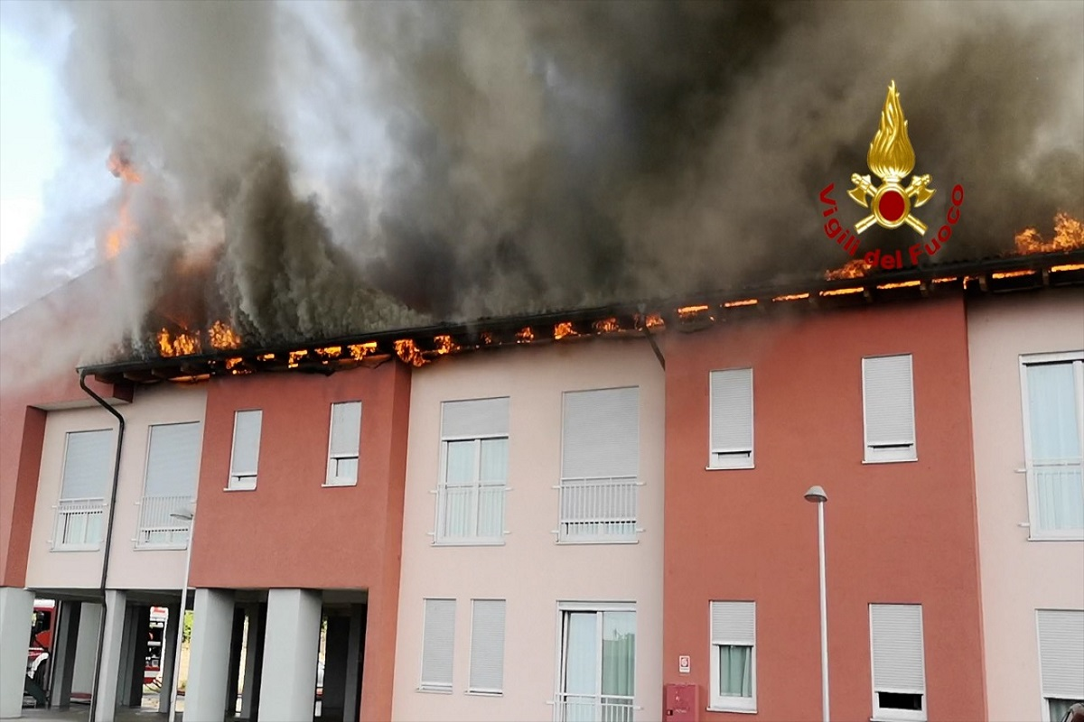 Incendio in una residenza per anziani nel Veronese, due i feriti