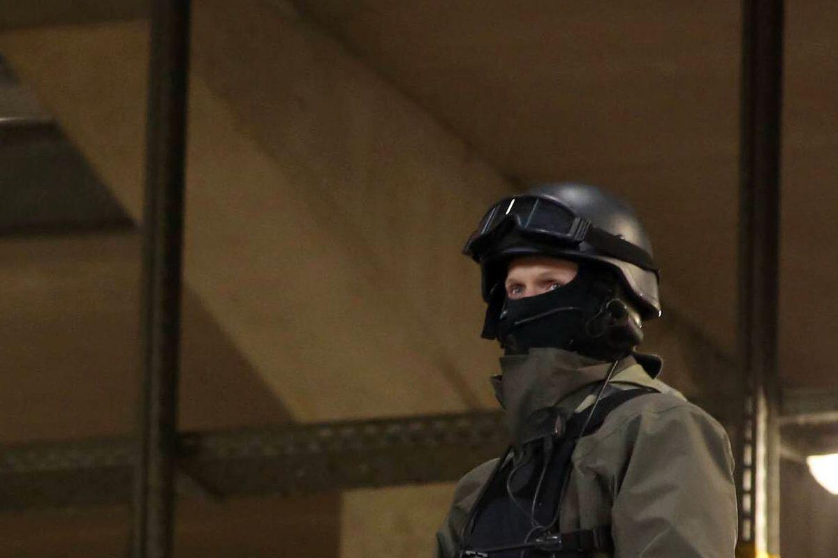 Attacco con mannaia a Parigi, sette persone arrestate. È terrorismo islamico. L'aggressore, 'Odiavo le caricature di Maometto'