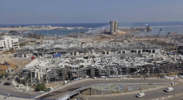 Beirut, un anno fa la tremenda esplosione nel porto: oltre 200 morti