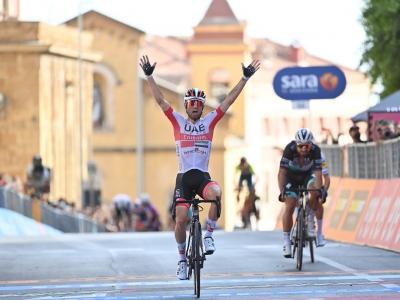 Ciclismo, la seconda tappa del Giro d'Italia a Diego Ulissi. Roglic conquista la Liegi-Bastogne-Liegi