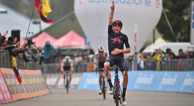 Ciclismo, quindicesima tappa del Giro d'Italia a Geoghegan Hart. Al Giro delle Fiandre trionfo di van der Poel