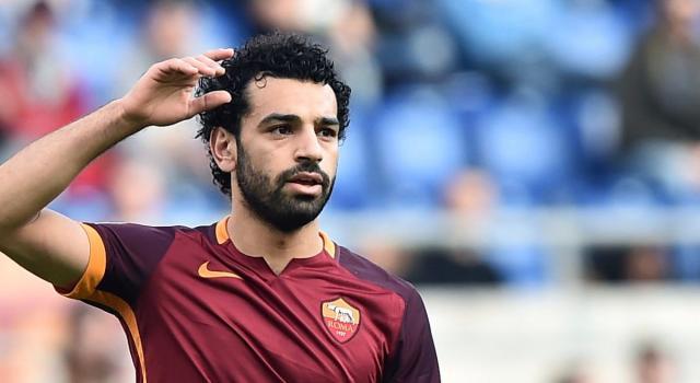 Salah difende un senzatetto preso di mira da un gruppo di giovani