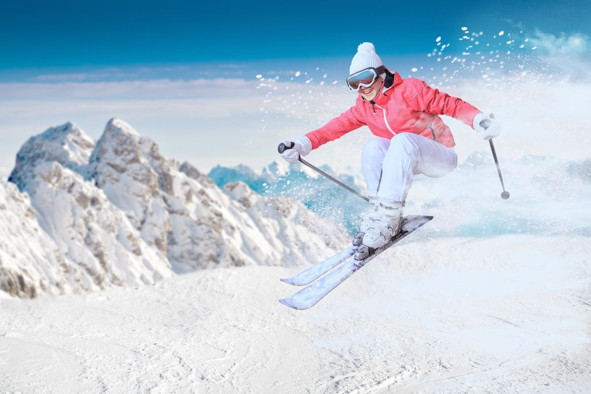 Sciatrice neve montagna