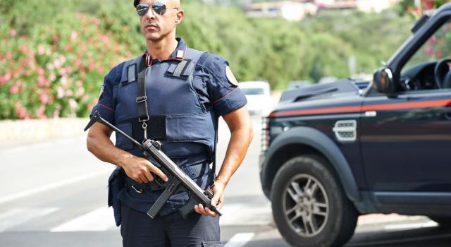 Italia in 'zona rossa', consentiti gli spostamenti nelle seconde case nella stessa Regione