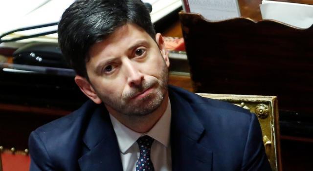 Speranza presenta il nuovo dpcm. Mezza Italia rischia di diventare zona Arancione
