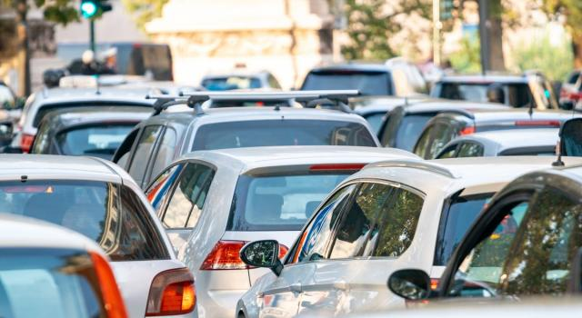 Mercato auto, vendite in crescita a marzo rispetto al 2020