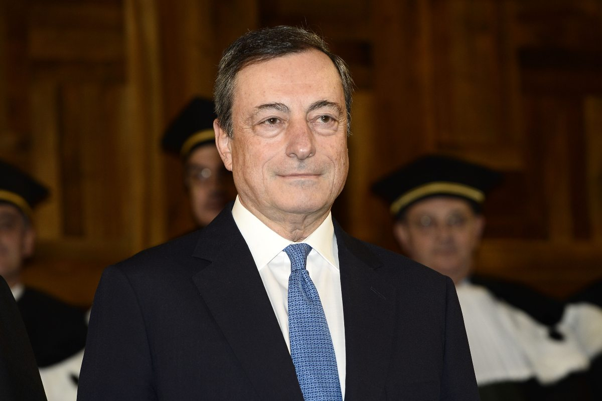 """Coronavirus, Draghi al vertice Ue: """"Occorre andare più veloce con i vaccini"""""""
