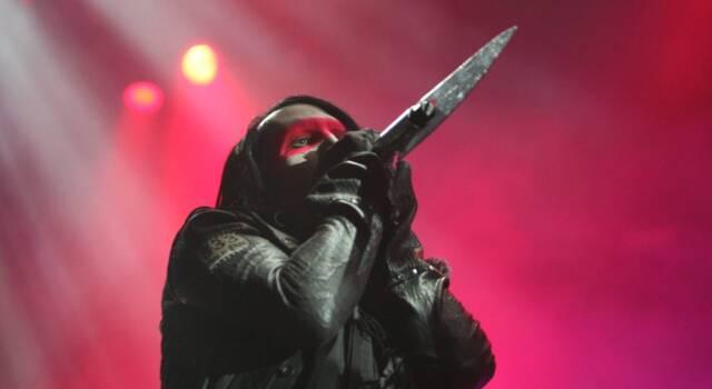 Marilyn Manson ricercato per uno sputo durante un concerto del 2019