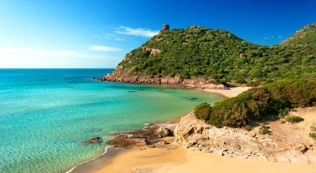 Linea dura per la Sardegna. Per entrare serve il tampone (o il vaccino)