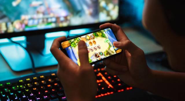 Vietare e limitare l'uso dei cellulari fino a 12 anni: la proposta di legge