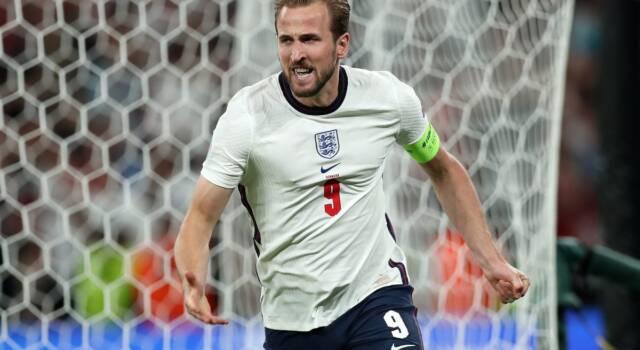 Laser prima del rigore di Kane, l'Uefa apre un procedimento. Cosa rischia l'Inghilterra