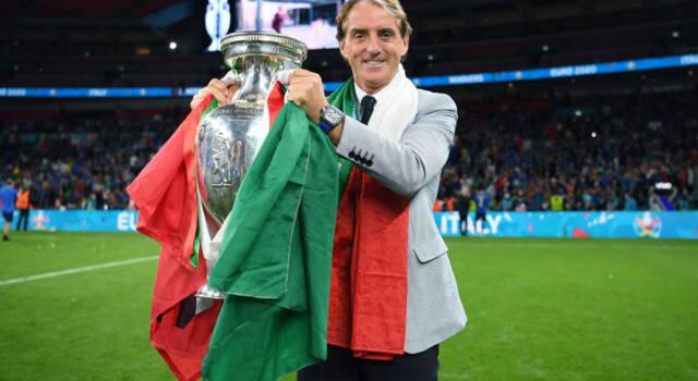 Mancini Normal One: il Ct dell'Italia in fila davanti alla macelleria