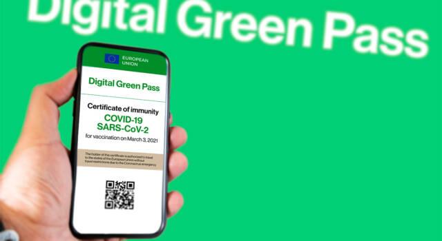 Nuovo decreto Green Pass, ecco chi è obbligato ad avere la certificazione verde