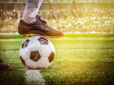 Ifab, cinque sostituzioni permanenti. Ora la palla passa alla Fifa