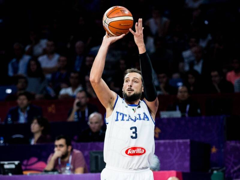 Basket, la Virtus Bologna vince la Supercoppa. Milano sconfitto in finale